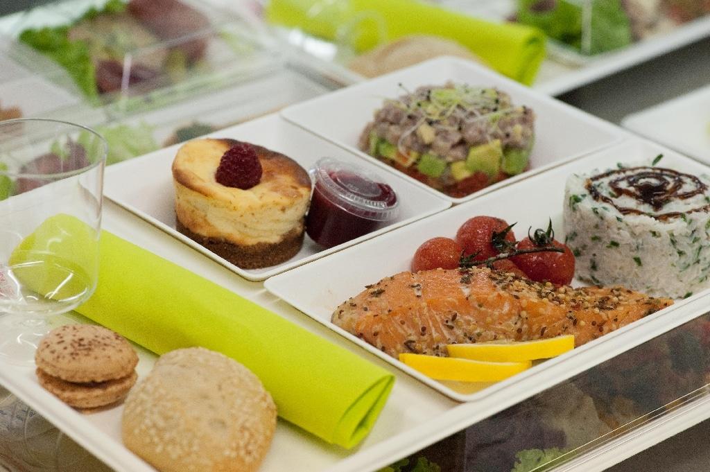 La livraison de plateaux-repas : un nouveau moyen de manger sainement