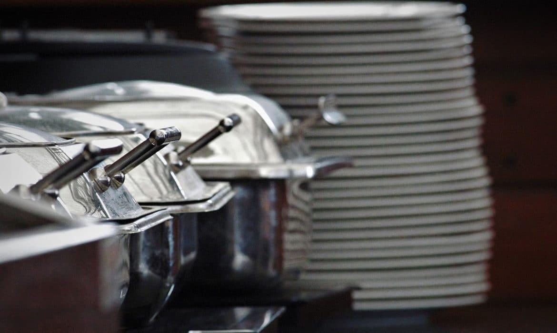 Pourquoi opter pour la livraison de plateaux repas ?